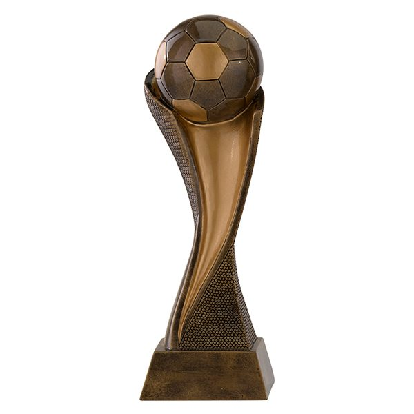 Grote voetbal beeld met bal als detail