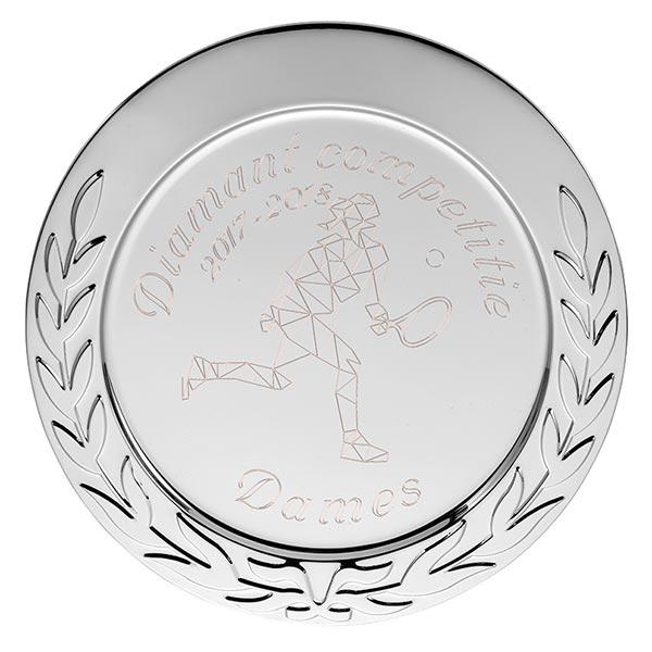 Zilveren Kampioensschaal met krans en eigen gegraveerde ontwerp