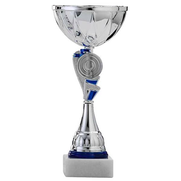 Zilveren trofee met blauwe details in het middenstuk 2