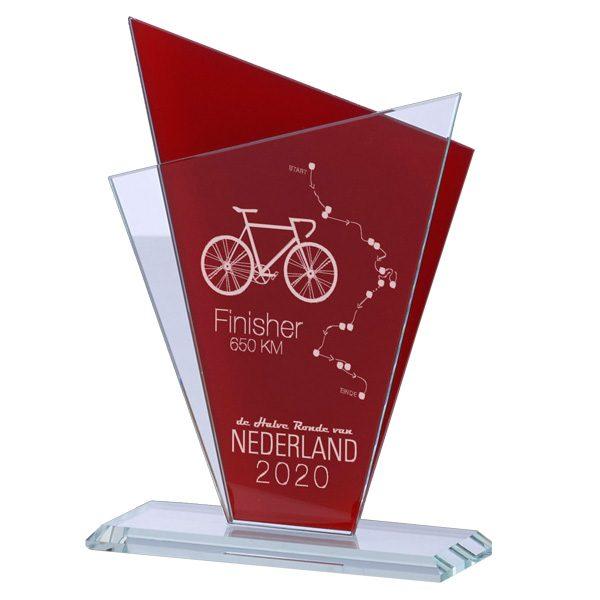 Glazen award standaard met rode detail