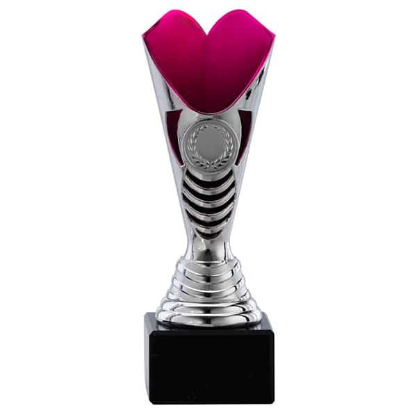 Zilveren trofee met roze detail